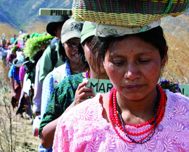 Guatemala, March 2009. Dozens gather to commemorate the 27th anniversary of the Rio Negro Massacre at Pak'oxom Peak in 1982. Photo: James Rodríguez / MiMundo.org