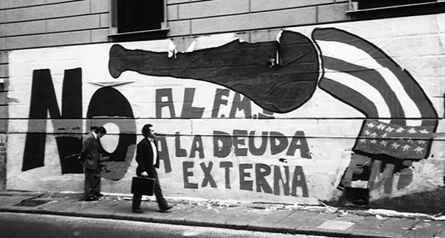 Graffiti against external debt in Uruguay, one of the countries pushing for new ways of dealing with debt crises
