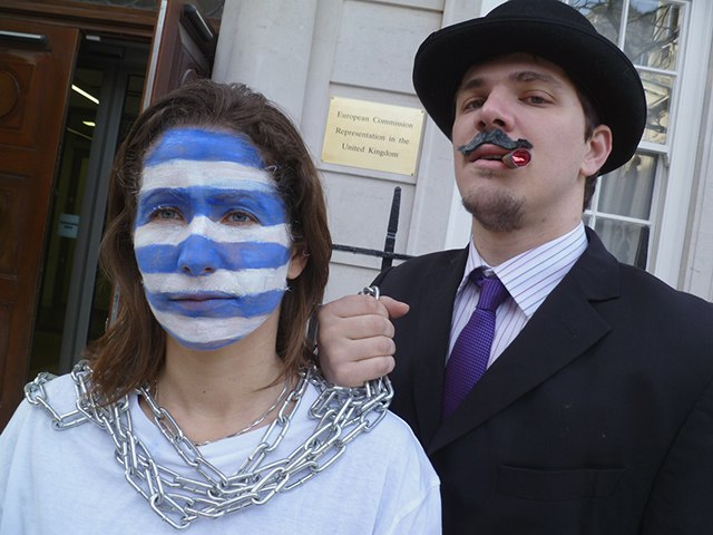 Greece Chains protest 3